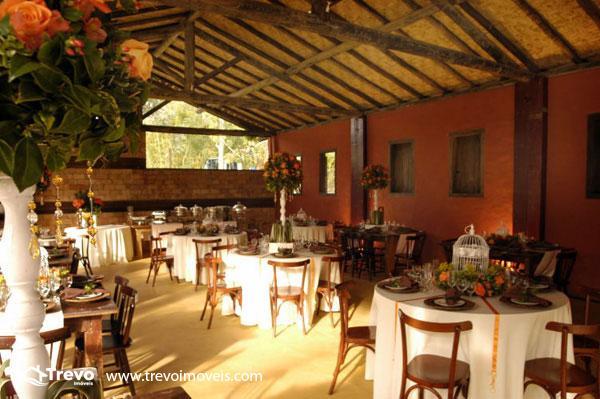 Casa-a-venda-em-Ilhabela-com-vista-para-o-mar13
