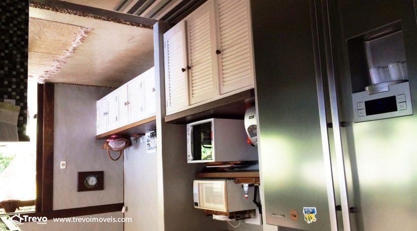 Casa-charmosa-em-condomínio-fechado-em-Ilhabela15