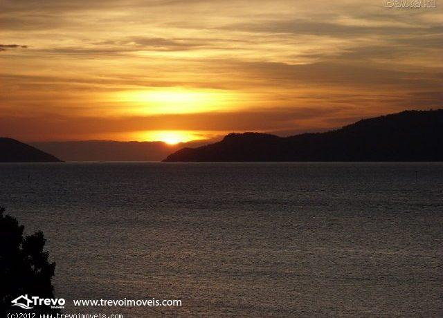 Casa-charmosa-com-vista-para-o-mar-em-Ilhabela13