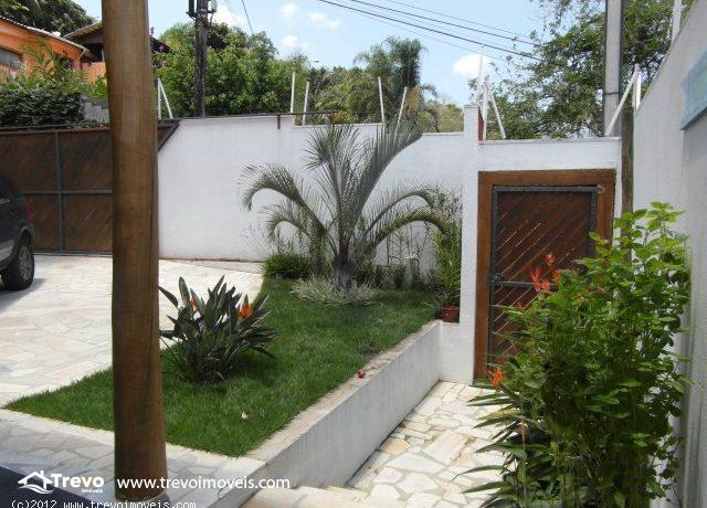 Casa-charmosa-com-vista-para-o-mar-em-Ilhabela9