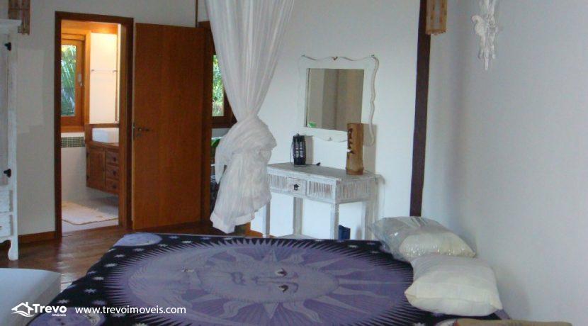 Casa-em-condomínio-fechado-com-acesso-ao-mar