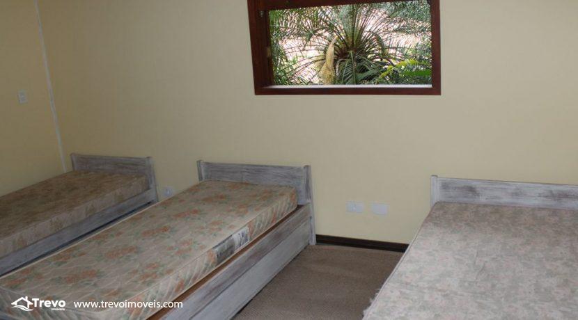 Linda-casa-costeira-com-pier-em-Ilhabela17