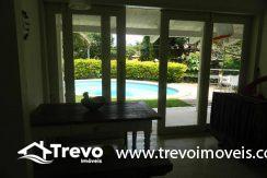 Casa-a-venda-em-Ilhabela-com-acesso-ao-mar-praia-e-costeira13