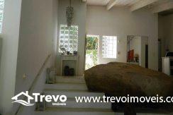 Casa-a-venda-em-Ilhabela-com-acesso-ao-mar-praia-e-costeira20
