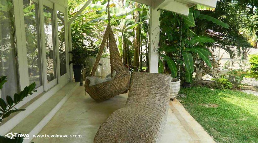 Casa-a-venda-em-Ilhabela-com-acesso-ao-mar-praia-e-costeira23
