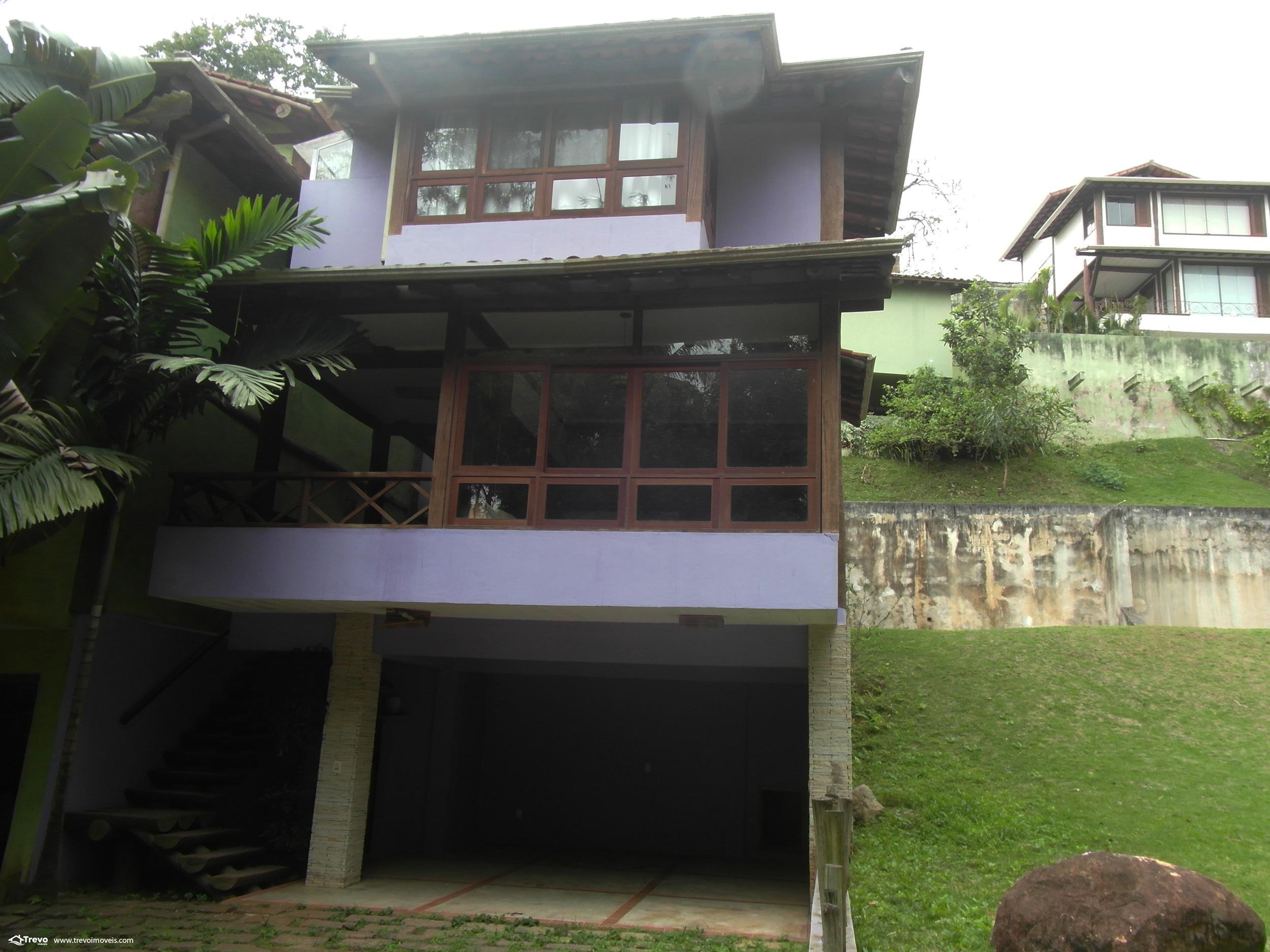 Casa a venda em condomínio em Ilhabela