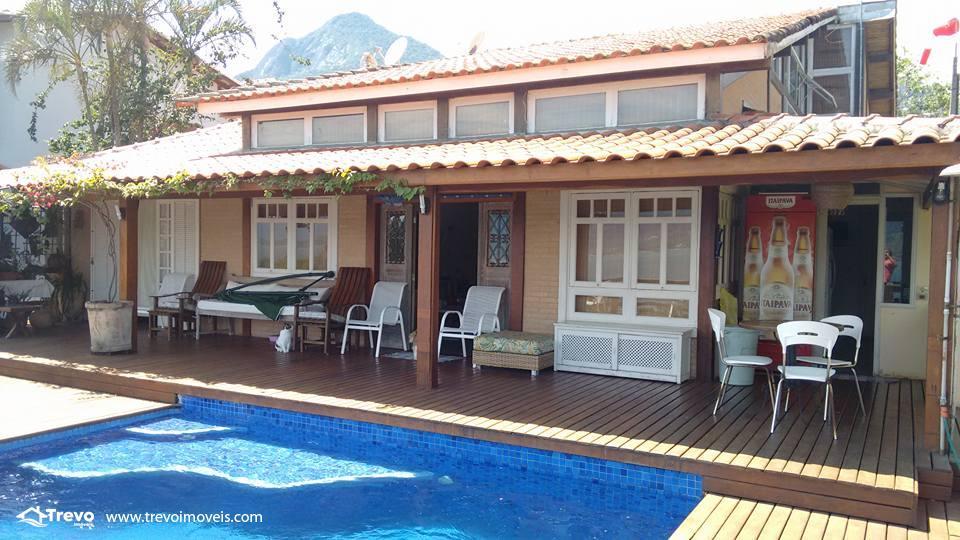Casa charmosa a venda em Ilhabela