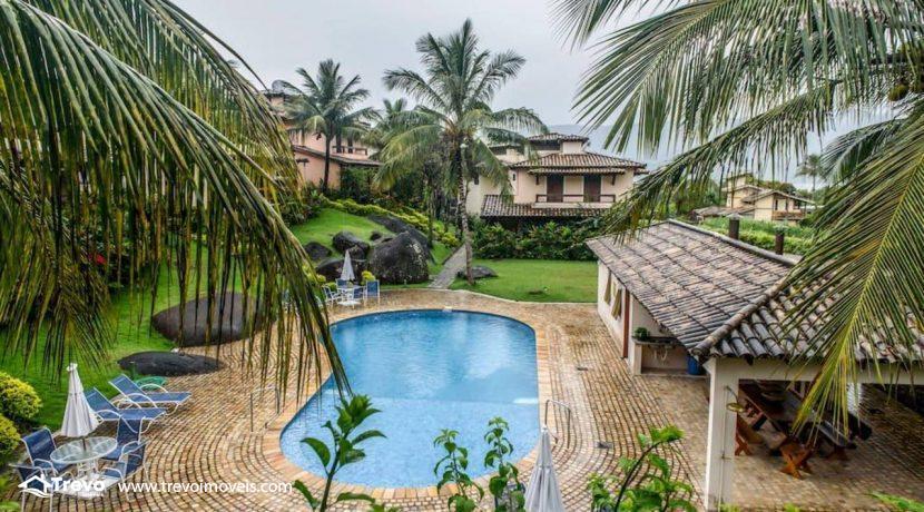 Casa-charmosa-a-venda-em-Ilhabela-em-condomínio