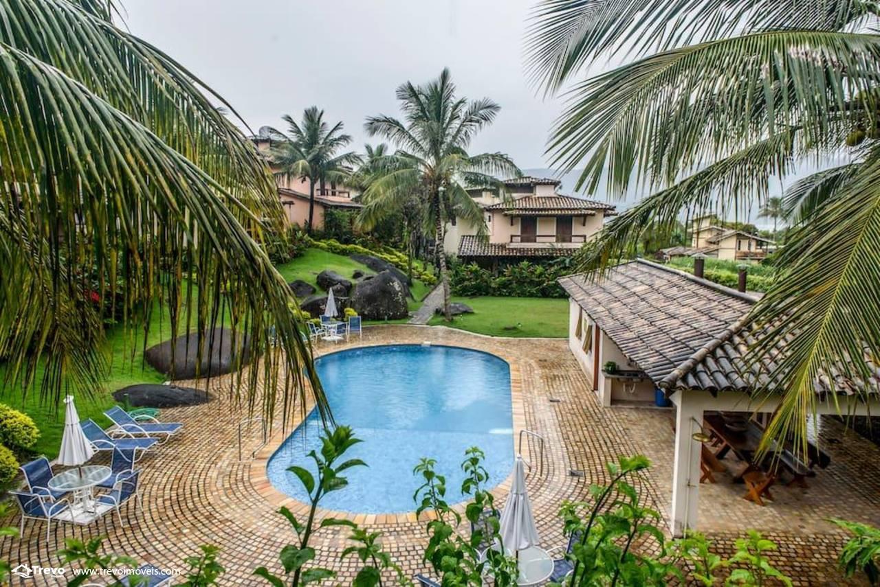 Casa charmosa a venda em Ilhabela em condomínio