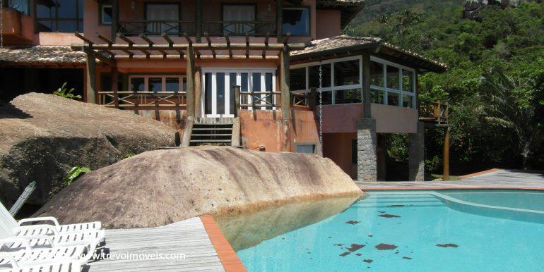 Linda-casa-em-condomínio-com-vista para-o-mar-em-Ilhabela9