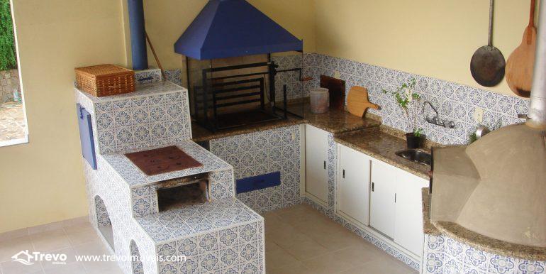 Linda-casa-em-região-nobre-de-Ilhabela19