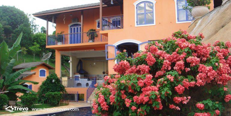 Linda-casa-em-região-nobre-de-Ilhabela24