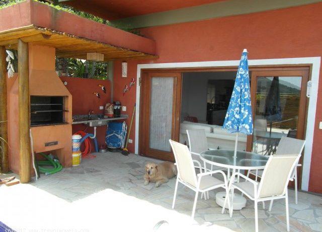 Casa-charmosa-com-vista-para-o-mar-em-Ilhabela5