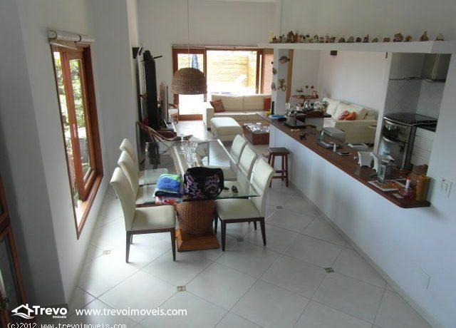 Casa-charmosa-com-vista-para-o-mar-em-Ilhabela7