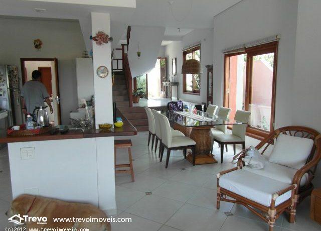 Casa-charmosa-com-vista-para-o-mar-em-Ilhabela8