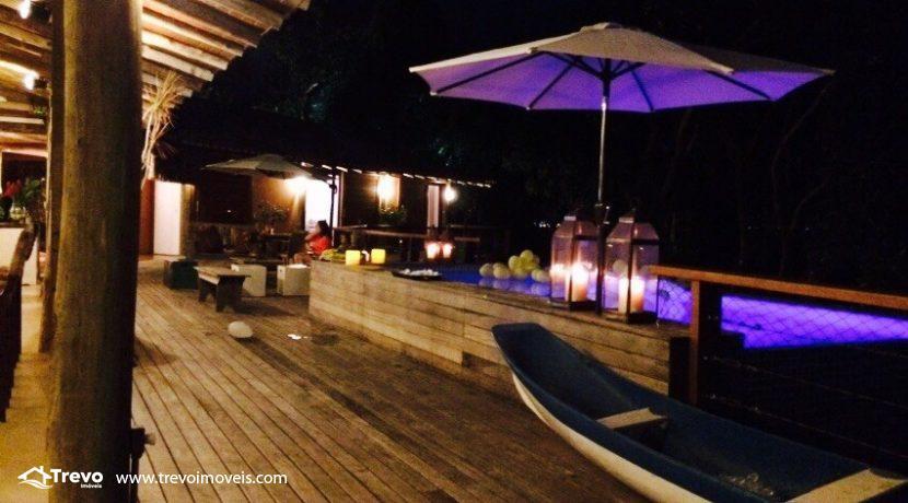 Casa-muito-linda-em-condomínio-fechado-em-Ilhabela