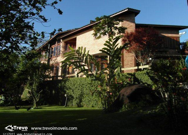 Casa a venda em Ilhabela,perto do centro2