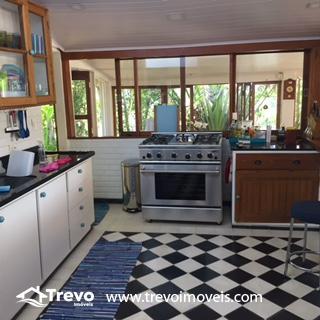 Casa-a-venda-frente-ao-mar-na-costeira-em-Ilhabela15