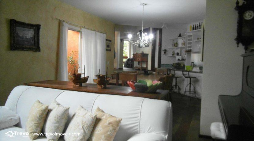 Linda-casa-a-venda-em-condomínio-fechado-em-Ilhabela10
