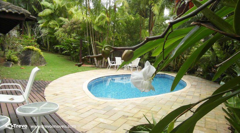Linda-casa-a-venda-em-condomínio-fechado-em-Ilhabela26