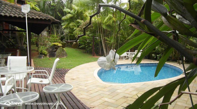 Linda-casa-a-venda-em-condomínio-fechado-em-Ilhabela27