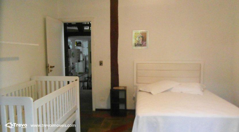 Linda-casa-a-venda-em-condomínio-fechado-em-Ilhabela3