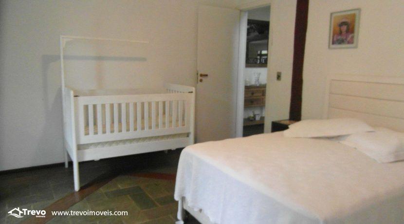 Linda-casa-a-venda-em-condomínio-fechado-em-Ilhabela4