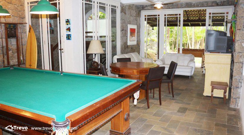 Linda-casa-a-venda-em-condomínio-fechado-em-Ilhabela43