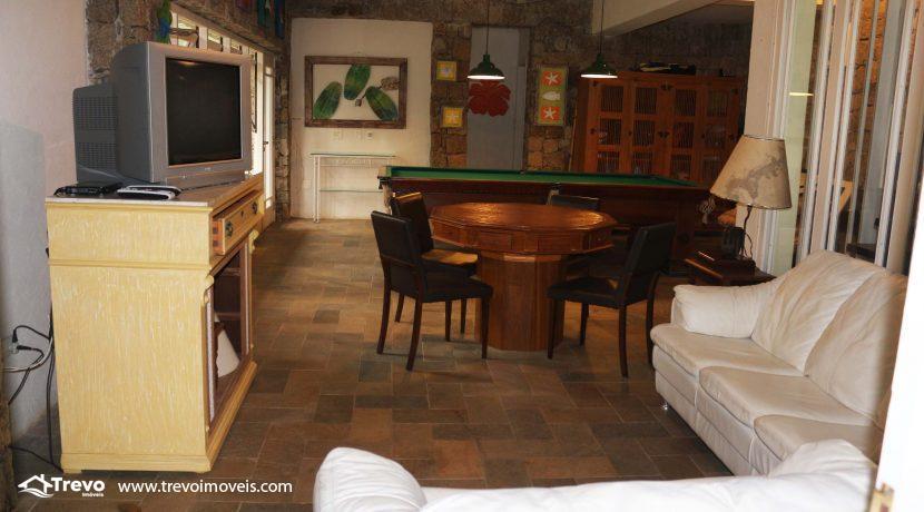 Linda-casa-a-venda-em-condomínio-fechado-em-Ilhabela44
