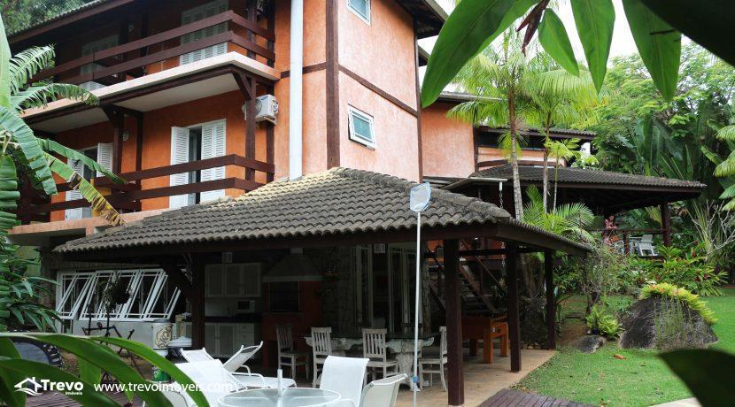 Linda-casa-a-venda-em-condomínio-fechado-em-Ilhabela45