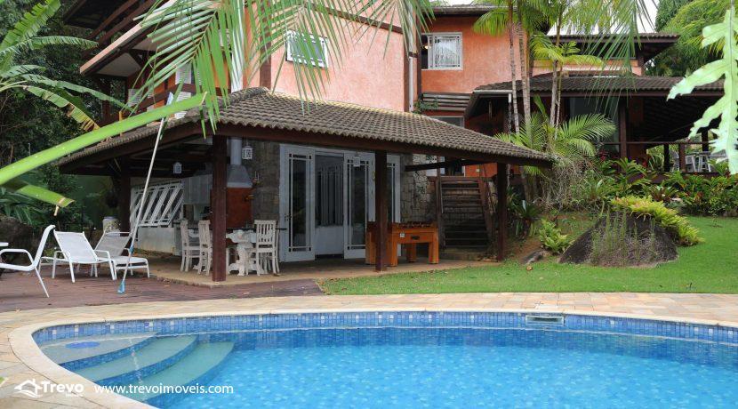 Linda-casa-a-venda-em-condomínio-fechado-em-Ilhabela49