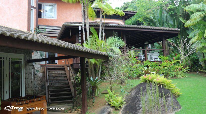 Linda-casa-a-venda-em-condomínio-fechado-em-Ilhabela54