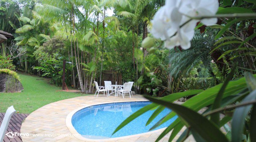 Linda-casa-a-venda-em-condomínio-fechado-em-Ilhabela55