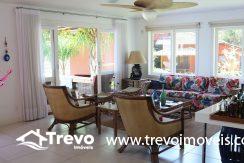 Casa-muito--charmosa-a-venda-em-Ilhabela-em-condomínio-de- luxo1