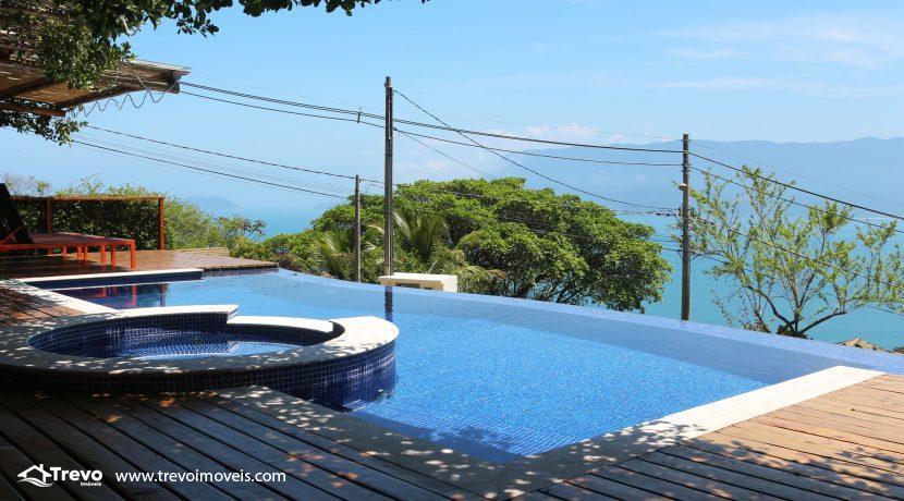 Casa-muito--charmosa-a-venda-em-Ilhabela-em-condomínio-de- luxo13