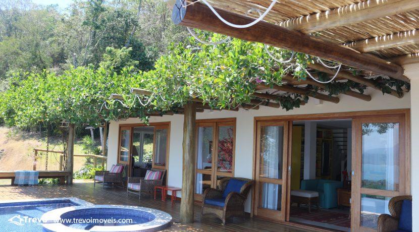 Casa-muito--charmosa-a-venda-em-Ilhabela-em-condomínio-de- luxo19
