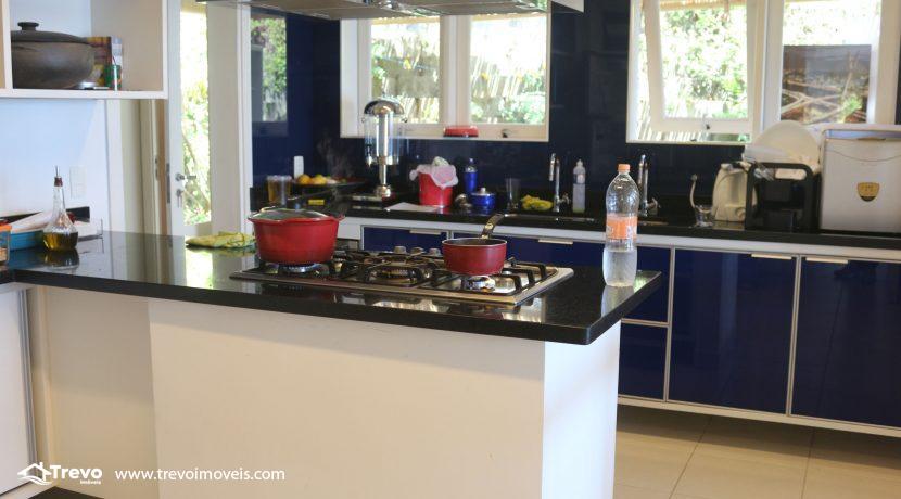 Casa-muito--charmosa-a-venda-em-Ilhabela-em-condomínio-de- luxo26