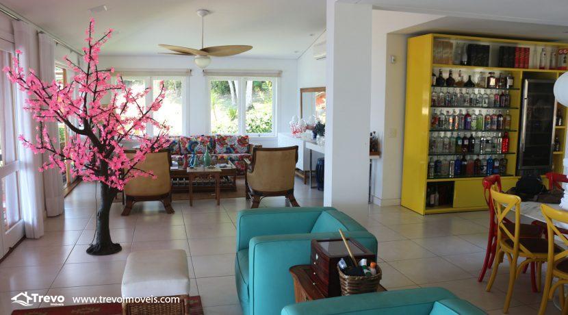 Casa-muito--charmosa-a-venda-em-Ilhabela-em-condomínio-de- luxo4