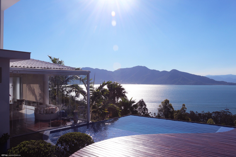 Casa de luxo a venda com vista para o mar em Ilhabela