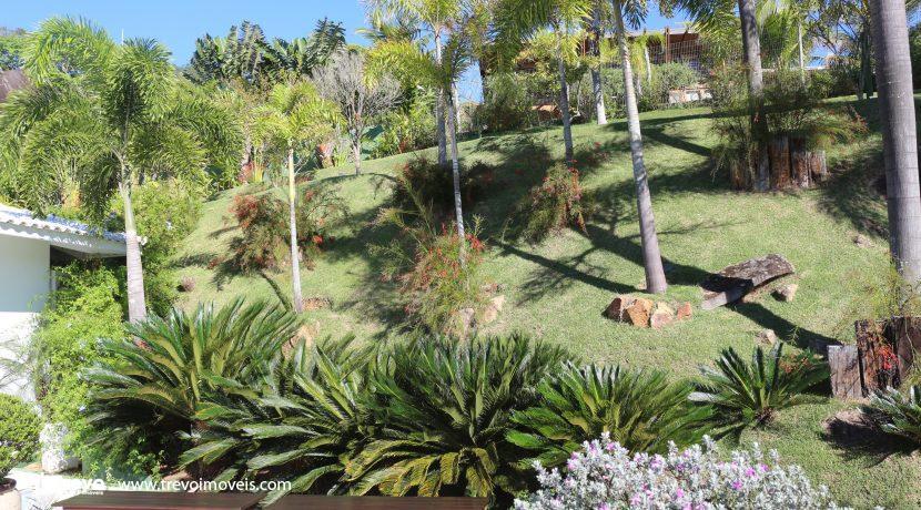 Casa-de-luxo-com-vista-para-o-mar-a-venda-em-Ilhabela1