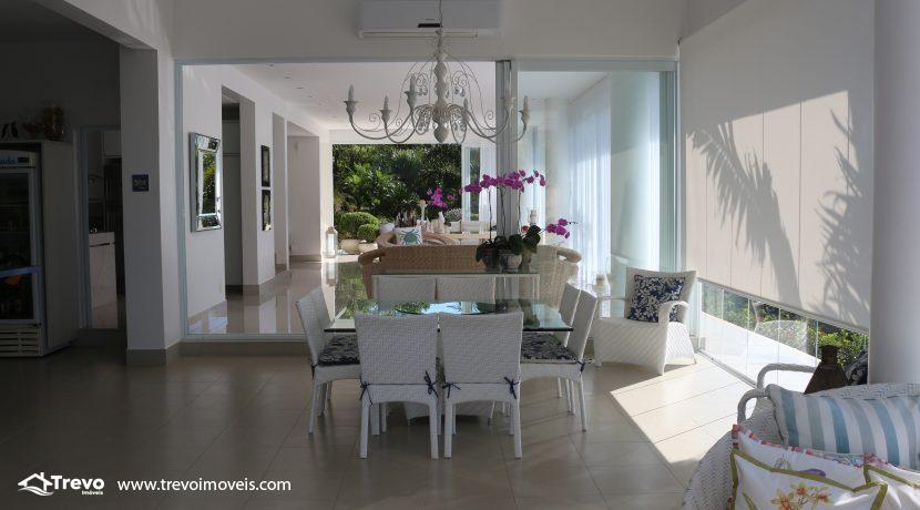 Casa-de-luxo-com-vista-para-o-mar-a-venda-em-Ilhabela15
