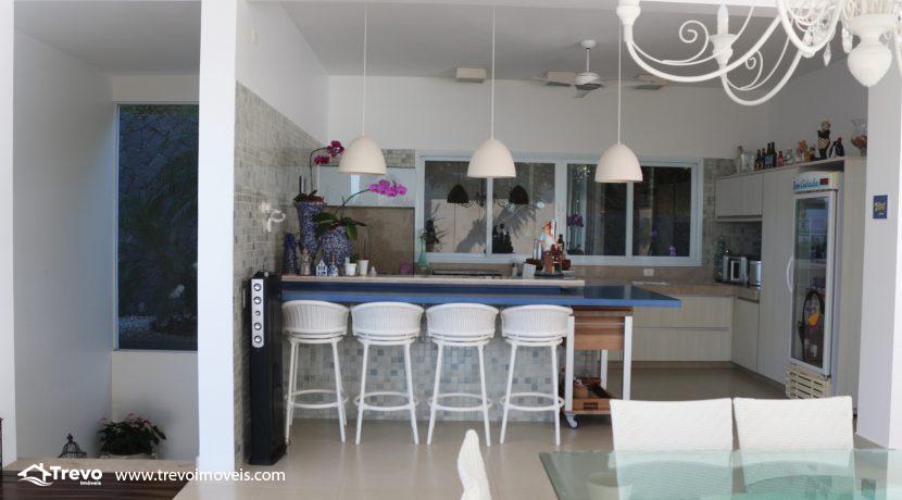 Casa-de-luxo-com-vista-para-o-mar-a-venda-em-Ilhabela20