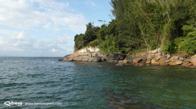Lindo-terreno-para-incorporação-em-Ilhabela15