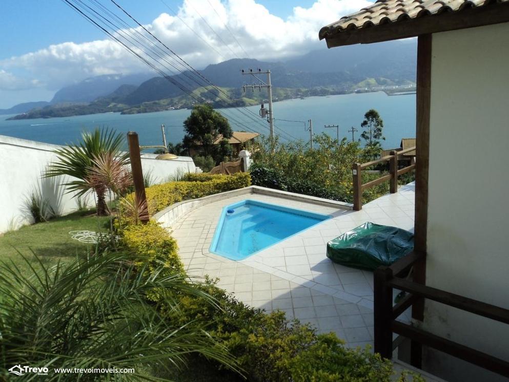 Casa a venda com vista para o mar em Ilhabela