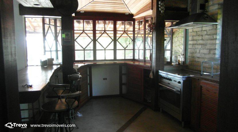 Casa-a-venda-na-costeira-em-Ilhabela17