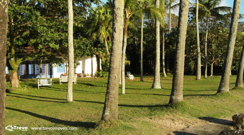 Casa-a-venda-pé-na-areia-em-Ilhabela18
