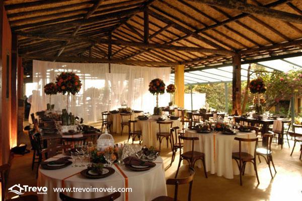 Casa-a-venda-em-Ilhabela-com-vista-para-o-mar14