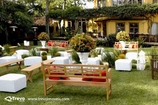 Casa-a-venda-em-Ilhabela-com-vista-para-o-mar17