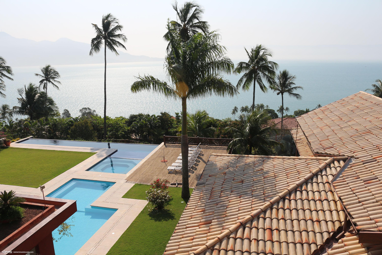 Casa de alto padrão com vista panorâmica para o mar em Ilhabela