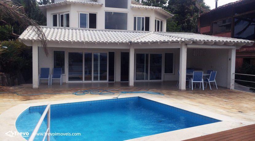 Linda-casa-a-venda-em-Ilhabela-na-costeira-e-prainha-particular13